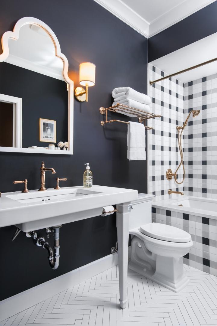caitlin bathroom